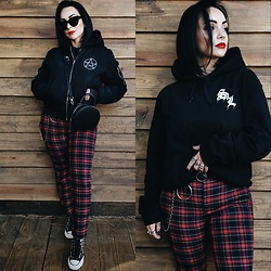 Priska Gomez - Disturbia Bomber Jacket, Stradivarius Black Round Bag, Converse Chuck Taylors, Dot Dash Cat Eye Sunglasses, So Lost Hoodie, Ebay Black Belt, Zara Plaid Pants - Hell on Earth