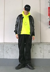 ★masaki★ - Kollaps ミニマル テクノ, Rothco 6pocket, Nike Air Monarch - Neon Hoodie