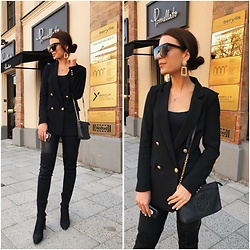 Anastasia Kotliar - H&M Blazer, Tory Burch Bag, Zara Earrings, Bershka Sunglasses, Zara Overknee - BLACK X GOLD