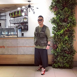 Mannix Lo - Online Shop Utility Vest, Uniqlo Long Sleeves Waffle Tee, Zara Wide Cropped Pants, Adidas Yung 1 Sneakers - You love your decisions, You need others to love them