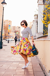 Lindsey Puls - Modcloth Midi Skirt - Pattern & Print Mixing – How to Wear Stripes & Florals Toget