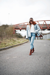 Daniella Robins - Levi's® Denim Jacket - Double Denim: The New/Old Modern-Classic