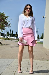 Elisabeth Green - Dokotoo White Blouse, Kling Skirt - Pink and White