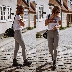 Kathrine Ottander -  - Graphic Tee & Gingham Trousers