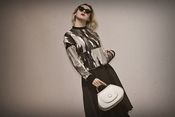 Ewa Macherowska - Erdesz Blouse, Erdesz Skirt, A.Cloud Bag, Pacze Sunglasses, Second Hand Earrings - She Is Art