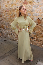 Anna Borisovna - Ivy & Oak Dress, Mango Belt - The Pistachio Dress