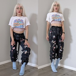 Fruitdandy - Vetements Sticker Pants, Vetements Sock Boot, Kyarypamyupamyu Nanda Collection World Tour Tee, Forever 21 Bustier - Youth