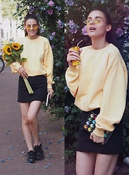 Yana P - Skirt, Sweatshirt, Sunglasses - 💛Yellow Mellow💛