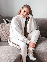 Vera Vonk - Bershka Sweater, Pull & Bear Pantalon - All White