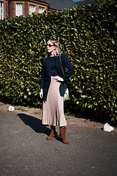 Daniella Robins - Marks & Spencer Skirt, Vagabond Boots - Spring Pleats & How I'm Wearing Them
