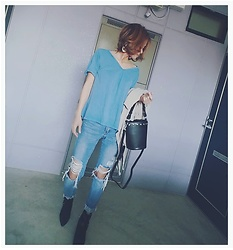Chii - Moussy Tops, Asos Jeans, New Look Bag - Shopping to the neighborhood