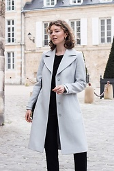 Holly Read - Reiss Wool Coat, Massimo Dutti Recyclable Wool Trousers - The 50€ second-hand Reiss coat via Vestiaire Collective