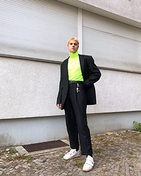 Jelto Witzel - Zara Turtle Neck, Acne Studios Shoes - Neon Sunset