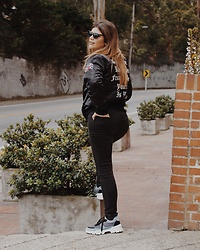 MARRE ... - Different Views Jacket, Mercedes Campuzano Sneakers - Power