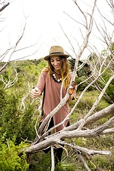 Carly Phillips - Quay Alright, Nude Oversized T Shirt, Francesca's Gold W/ Black Fringe Necklace - Palo Duro Canyon, TX