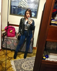 Maria Elena - Jennifer Jeans, H&M Jacket, Prima Donna Boots, Terranova Little Bags - Urban Waves