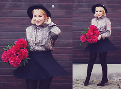 Anca Varsandan - Sergio Rossi Boots, C&A Skirt, H&M Hat, Guess Heart Earrings - Peonies