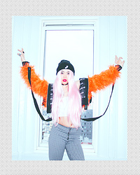 Ceci Greene (ig: @play_w_cc) - Dolls Kill Fur, Vintage Pants - Robyn, 2010. (@play_w_cc)