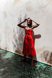 Malia Keana - Runwayscout Red Dress, Le Specs Sunglasses On Chains, Asos Sandals - Rouge x green