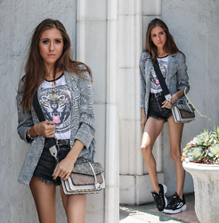 Jenny M - H&M Plaid Blazer, Zara Denim Shorts, Fila Disruptor 2 Sneakers, Botkier Cobble Hill Crossbody Bag - SUMMER PLAID // thehungarianbrunette.com