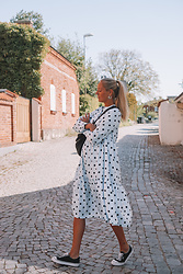 Kajsa Svensson - Vila Dot Dress - May Vibes