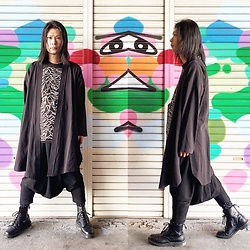 @KiD - Monochrome Kimono, Joy Division Unknown Pleasures, Monochrome Penguin Pants, Dr. Martens Unknown Pleasures - JapaneseTrash500