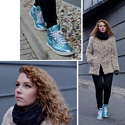 Iga Parker - Nike Sneakers, Stradivarius Fur - Cold evenings