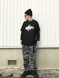 ★masaki★ - Bilie Eilish Tee, Rothco Cargo Pants, Nike Air Monarch - Bad Guy