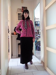 Lulu Longstocking - Thrifted Leo Print Hoodie, Thrifted Long Velvet Skirt, Skull An Bones Print Tie, Leo Print Shoes - Pink punk