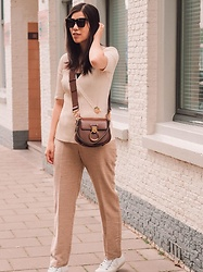Vivian Tse - Chloé Bag, H&M Top, Mango Flowy Joggers, Céline Sunglasses, Veja Sneakers - Beige is not a boring colour