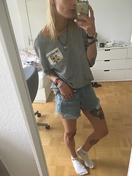 Kelly Doll - Zara Shirt With Stripes And Flowers, Levi's® Blue Shorts, Nike White Socks - Summer Time is flower