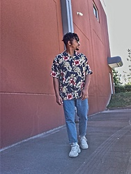 Jason - Adidas Yeezy Blush, Asos Dad Jeans, Thrifted Floral Shirt - More Flowers