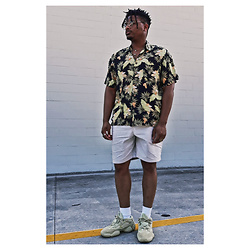 Jason - Adidas Supermoon 500, Gap Lightweight Shorts, Zara Floral Shirt - Vacay Mode