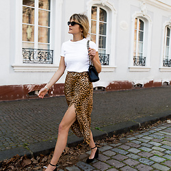 Catherine V. - Asos T Shirt, Zara Leopard Skirt, Jonak Heels, Bag - HOW TO STYLE A PLAIN WHITE T-SHIRT