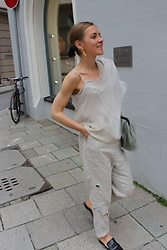 Anna Borisovna - Vintage Top, Vintage Linen Pants, Mango Shoes, H&M Bag - Off Shoulder