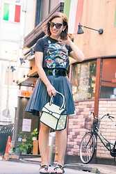 Lindsey Puls - Amazon Star Wars Shirt, Modcloth Pleated Skirt, Jump From Paper Bag - The Story of a Star Wars Outfit & a Maid Cafe