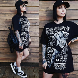 Priska Gomez - Real Eyez Mirror Sunglasses, Studded Black Backpack, Vans Platform Oldschool, Unauthorized Ink Black Cap, Mojave Black Oversized T Shirt, Decathlon Black Cycling Shorts - Never Surrender