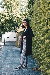 Adriana R. - Shein Split Side Longline Black Blazer, Shein Exposed Zip Fly Plaid High Waisted Pants, Femme Luxe Black Side Cut Bodysuit - Longline Blazer & The Cutest Checkered Pants