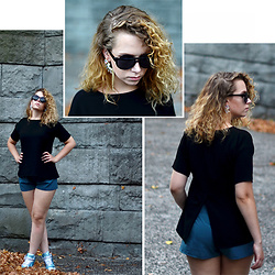 Iga Parker - Nike Sneakers, Brylove Sunglasses - Summer glam