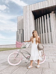 Marta Caban - Plumbike Bike, Orsay Dress - BIRTHDAY GIRL