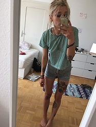 Kelly Doll - Monki Shirt With Green Stripes, H&M Divided Grey High Waist Shorts - Summer Look