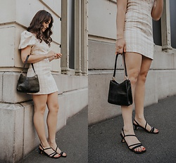 Tonya S. - Petite Studio Anisa Dress, Vintage Bag, Vintage Heels - Perfect Summer Dress!