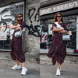 Jacky - Vila Dress, Loavies Sweater, Obag Bag, Skechers Sneakers - Combining a midi dress and ugly sneakers