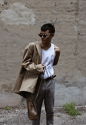Alejandro Cantoral - & Other Stories Sunnies, Oak And Fort Bag, The Frankie Shop Boyfriend Blazer - Painted Eyes