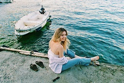 Duygu Fidanoglu - Birkenstock Slippers, Mango Denim, Vintage Shirt, Bershka Top - I sing beneath the wave.