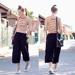 Iva K - H&M Culottes, Tamaris Sneakers - Stripes