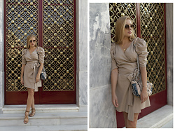 Ewa Michalik - Pull & Bear Sandals, Paulabaar Bag, Vasuma Sunglasses, Monika Świderska Dress - Golden Gate