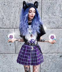 Kimi Peri - Uniwigs Purple Hair, Yesstyle Purple Plaid Skirt, Choker, Uoobox Belt, Candy Cult Succubus Shirt, Restyle Demon Headpiece - I Put A Spell On You