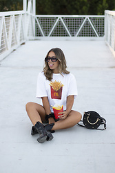 Claudia Villanueva - Zara T Shirt, Zaful Bag, Stradivarius Boots - Give me my fries