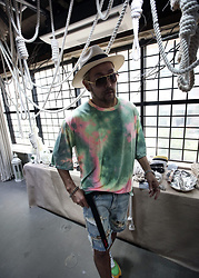INWON LEE - Byther Shirt Tiedye, Byther Jeans - FUNKY TIE-DYE T-SHIRT